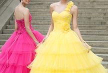Dresses  / by Cristina Flutu'