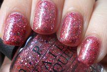 nail polishh / by Alexis Villarreal