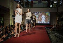 2014. Őszi MOM Park Shopping Days / A modellek a Marc Cain, Concept Gallery, GANT Man és Woman, La Martina, Mohito, Benetton, Gerry Weber, French Connection, Etincelle, Griff Collection, Helly Hansen, NON+, Ecco, Bagatt, Furla és Guess ruhát, táskáit és kiegészíőit viselték. A smink a Douglas Parfümériában, a haj pedig a Zsidró Szalonban készült