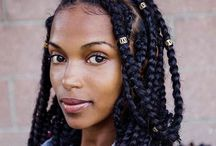 Big Box Braids / How to do Big Box Braids Styes tutorials for short, medium and long hair. Different images of big box braids with beads, buns and triangle parts. - http://beautifieddesigns.com/big-box-braids/