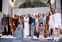 Lorenzo Serafini Kimdir? / Tecrübesi, stili ve başarılı çizgisi ile beğeni toplayan Philosophy'nin kreatif direktörü Lorenzo Serafini ilkbahar/yaz koleksiyonu harika ve ilham verici.
