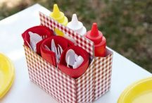 Summer Picnic Ideas / Picnics, the perfect way to bring your friends and family together to celebrate the summer!