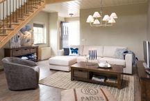 Wooncollectie Cape Cod / Deze klassieke wooncollectie van het merk Henders and Hazel is erg smaak- en stijlvol. Het is gemaakt van Acacia hout in een old antique kleur gelakt.