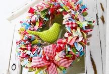 Crafts - wreaths / by Liana Marchetti