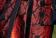 Куртки кожа крокодила