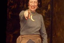 Diana Vreeland: A Tabulous Tastemaker / A look at the life of the fabulous Diana Vreeland, her years as an editior and museum curator.