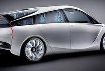 Konsept Otomobiller / Konsept otomobiller hayallerin, duyguların ve esinlenmelerin ürünüdür. Bu araçlar Toyota'nın tasarımın geleceğini belirlemesi ve müşterilerine gelecek için planlarını göstermesi için bulunmaz bir fırsat.