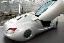Coches actuales y futuros / Colección de imágenes de vehículos actuales y prototipos.