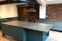 The #modernkitchen #quartzworktops #steelgray #quartz #marble #interiordesign #kitchen #worktops