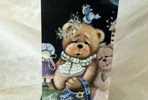nounours peinture decorative / by Marie