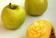Apple carving / Σκαλισμένα μήλα ;-)