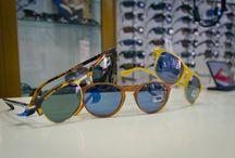 Persol / Persol es sinónimo de elegancia, estilo y calidad elevadísima. Las gafas Persol son, desde hace décadas, un símbolo mundial de la excelencia artesanal ...