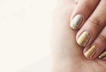 I heart all things GOLD / by Jennifer Davies
