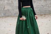 Street Walking Style / Awesome Street Style & Outfit Inspiration mostly via Bloggers!