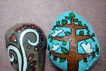 Stone painting by Pooja Raikwar / Handmade stone painting