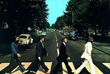 Las mil y una Abbey Roads / Atravesar una calle puede ser un acto tan simple que a diario lo haces muchas veces... Pero 4 músicos de Liverpool lo hicieron un día y pasaron a la posteridad provocando miles de reacciones en todo mundo queriendo imitar esa imagen grabada en una foto para la portada de un disco... Parte de ser líder es ser el primero en hacer algo que nunca nadie hizo antes...