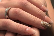 BabyBoom nails glitter
