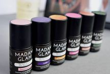 Madam Glam - One step gels / The Revolution in Gels is here! Perfect shine and fastest application ever with these 3 in 1 Gels. Base and top coat are integrated for a high glossy finish and there is no tacky layer after application! One more reason to love them! Up to 3 weeks of perfect manicure! Chip free!