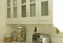 Great home interiors / by Daryl Hodnett
