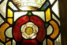 stianed glass rose