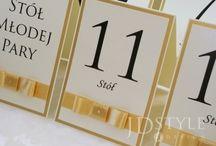 Plan stołów weselnych / Specjalne plany weselne stołów sprawią, że goście weselni bez problemu znajdą swoje miejsce przy stole!