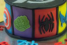 avengers cakes y super heroes / by Teresa Monzon Diaz