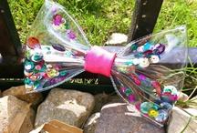 Plastic bow