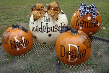 Autumn & Halloween Decor / by Kelly Allison