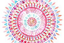 mandala's / ingekleurde en zelf getekende mandala's