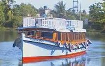 Motorboats in Kerala / Motorboats can be quite cheaper, the best option for a Travel tourist ,book Motorboats online @ www.MyHouseboats.com
