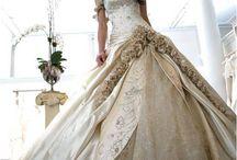 Wedding Dress / Non sono fatta per il matrimonio ma adoro gli abiti da sposa ed i gioielli :)