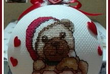 PALLE NATALIZIE THUN / palle natalizie thun ricamate a punto croce - schemi e ricami: Simonetta Sabatucci - www.ideeapuntocroce.it