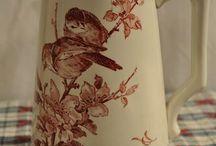 Porcelana Delicada / Bules e afins