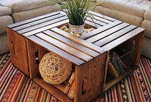 mesas con cajas de frutas