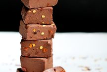Healthy Chocolate Lovers / This board features HEALTHY chocolate recipes to satisfy that sweet tooth!