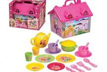 Barbie Oyuncakları / Barbie Oyuncakları Kız çocuklarının en sevdiği karakter barbie ile birbirinden güzel oyunlar sizleri bekliyor.