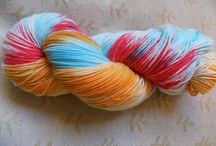 Experiments In Hand Dyed Yarns / Lets play with colour and yarn