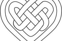 Knots and arabuesc. / Γεωμετρικά σχέδια κυρίως Αραβικής και Σκωτσέζικης παράδοσης.