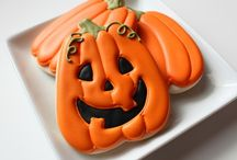 Halloween cookies / by Erin Brankowitz