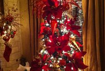 Far the Love of Christmas / Christmas holiday decorating