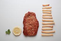 Schnitzel / Das Komplementärstück zum Schnitzelslap: Making of – Schnitzel. Von Jürgen Skarwan. Alle Zutaten, sogar im Sektglas. https://goo.gl/fdTkXT