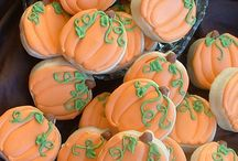 Decorated Cookies-Fall/Halloween/Thanksgiving / by Kathy Hendricks