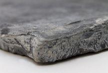 Natuursteen tegels / Detailshot van de mooiste natuursteen tegels, zorgvuldig verzameld in onze uitgebreide collectie.