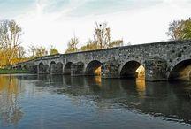 Grez-sur-Loing / Village fleuri et animé, traversé par le Loing. A moins de 10 minutes au nord de Nemours, Grez-sur-Loing a su conserver son charme et son patrimoine.