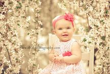 Children Portraits / Capturing babies and children for birthdays, family pictures and celebrations.