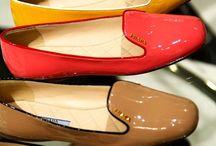 love those shoes / by Nena Derbedrossian