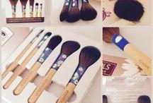 Kosmetik Haul / #shopping #haul #drogerie #kosmetik #cosmetics #makeup #lipstick #lippenstift #lidschatten #einkauf #tipps #review #produkttests #beautyblog #beauty #blogger #blog #schminken #déesse #deesse #déessecosmetics #schweiz #direktvertrieb #gesichtspflege #gesichtsreinigung #ohnetierversuche
