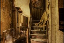 old houses,barn,staircases and abadoned stuff / great old houses and fabulous barns and beautiful staircases and other things that were beautiful then and even now / by Rhonda Horton Foster Jarratt