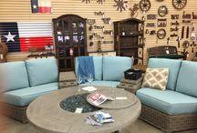 Outdoor Patio Furniture / Exquisitely designed outdoor patio furniture to enhance the beauty of any yard.