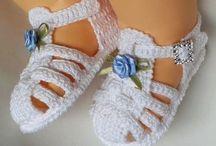 sapatinhos de crochê   e sandálias